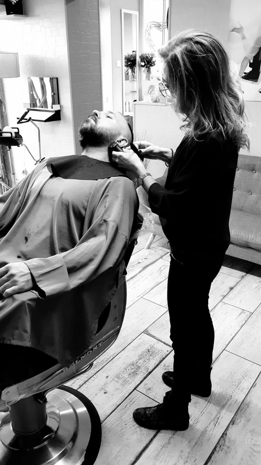 Taille de la barbe réalisée par Sonia
