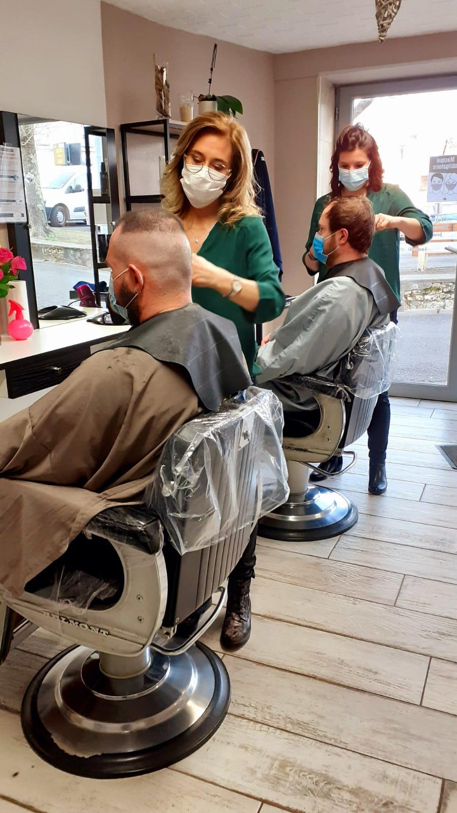 Coupe cheveux hommes réalisée par Sonia et Coralie
