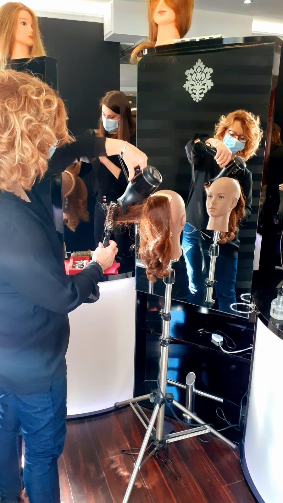 Séchage cheveux réalisée par Valérie en formation